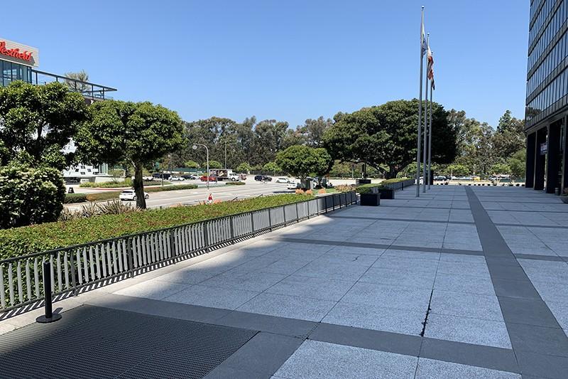 34. Exterior Plaza