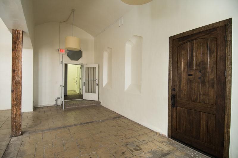 41. Showroom