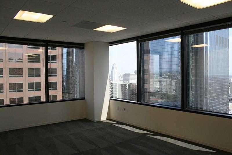 100. Thirteenth Floor