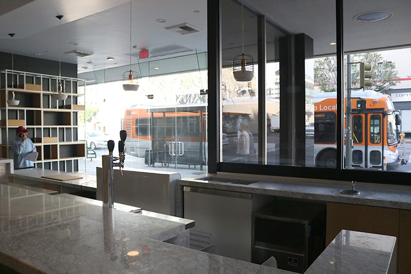23. Lobby Retail 3