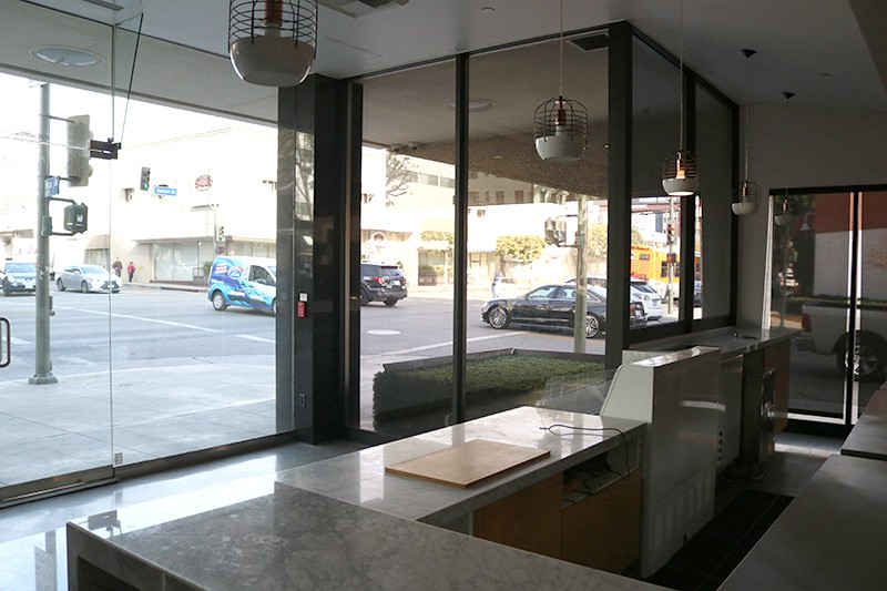 20. Lobby Retail 3