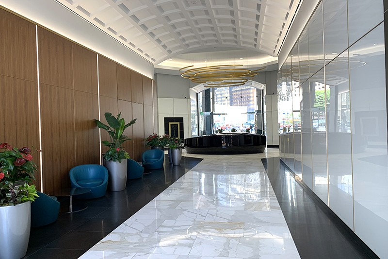 60. Lobby