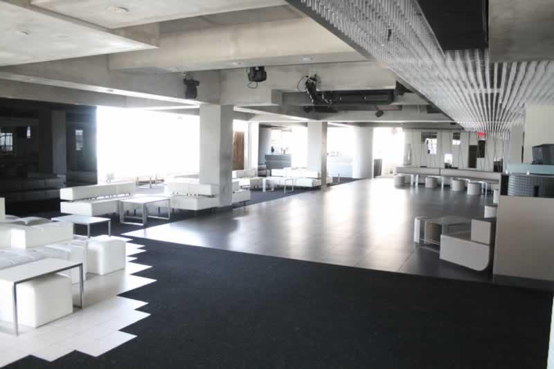 135. Elevate Lounge