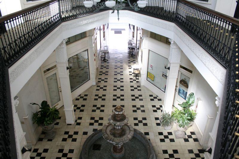 13. Atrium