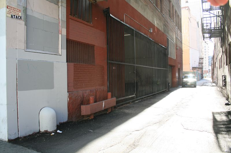 23. Alley
