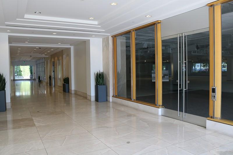 34. Lobby of 2350