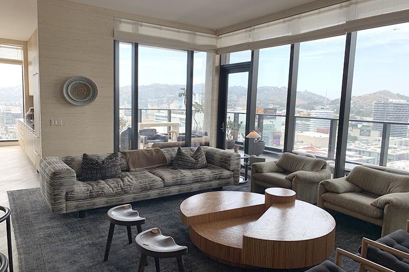 55. Penthouse 1