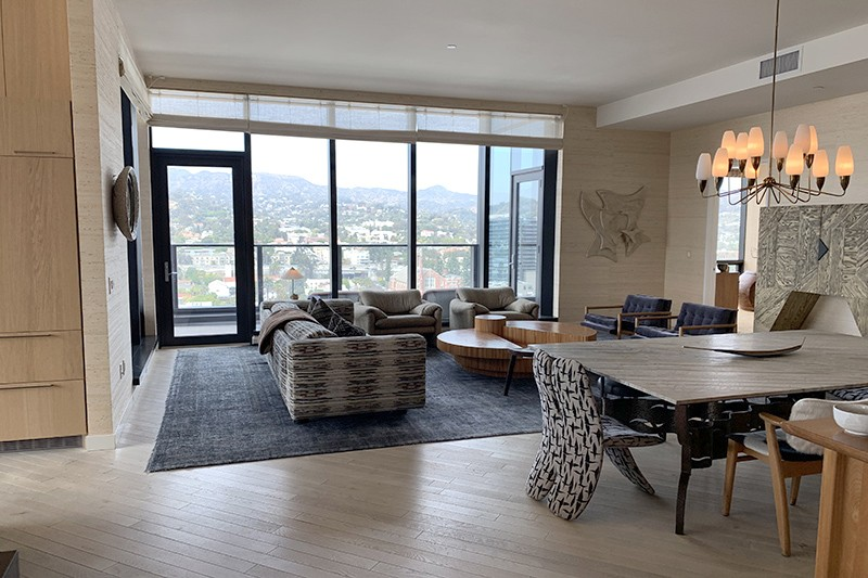 77. Penthouse 1