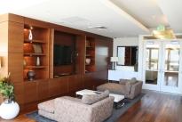 49. Penthouse Lounge
