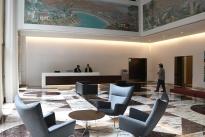19. Sixth Floor Lobby
