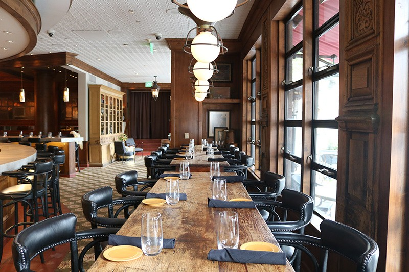 18. Restaurant