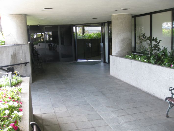 8. Plaza