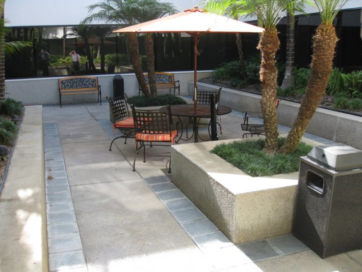 13. Plaza