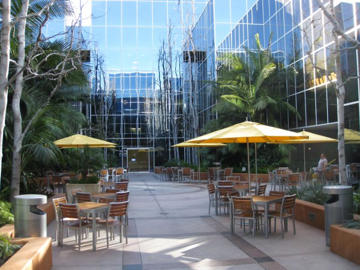 25. Plaza Courtyard