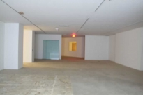 94. Showroom B528