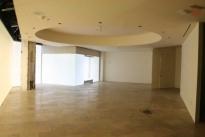 96. Showroom B528