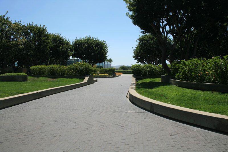 147. Plaza