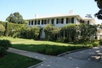 Bellevue Drive Residence