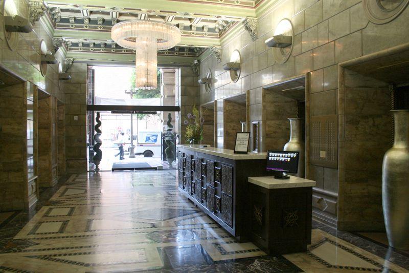 6. Lobby