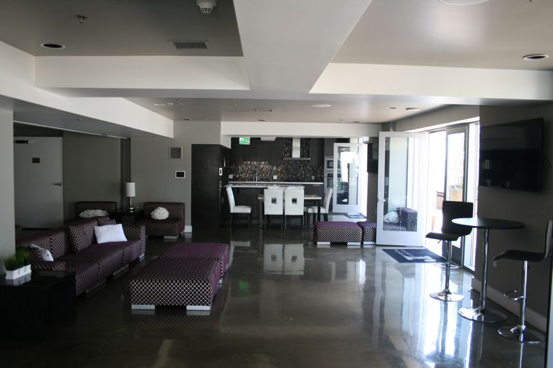 14. Penthouse Lounge