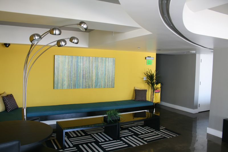 19. Penthouse Lounge