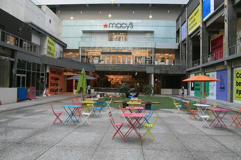 45. Mall
