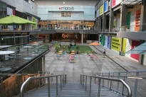 48. Mall