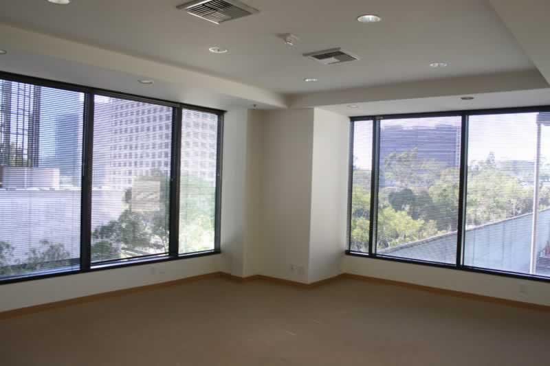 79. Suite 400